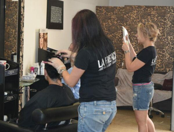 парикмахерские услуги Брно