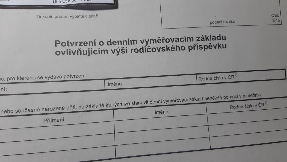 Оформление документов новорожденного в Чехии